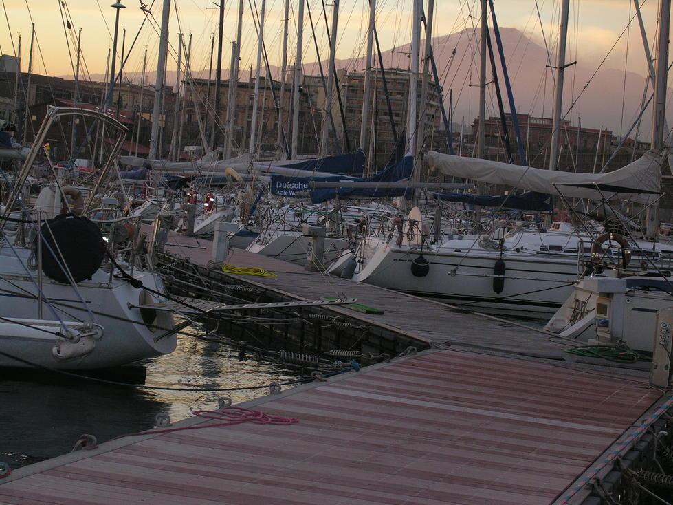 Etna et bateaux